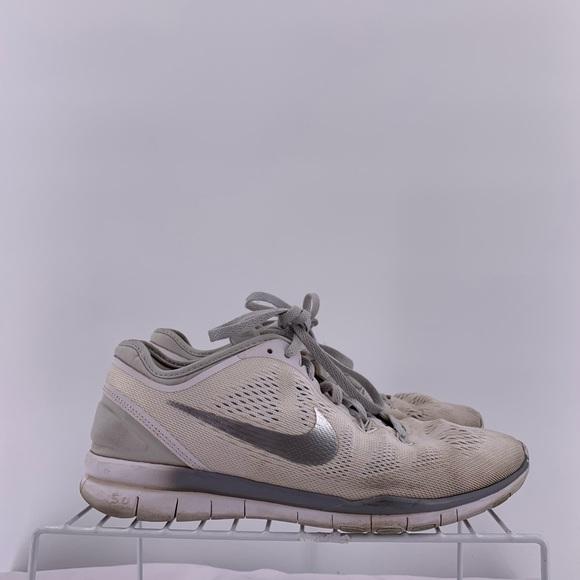cheap for discount b205b 45df1 Nike Women s Running Shoes Size 7. Nike. M 5cb5852b9ed36dae72d5f5f7.  M 5cb5852c26219fa6b1719794. M 5cb58528de696acab09a5b62.  M 5cb5852a9ed36d0e86d5f5f5